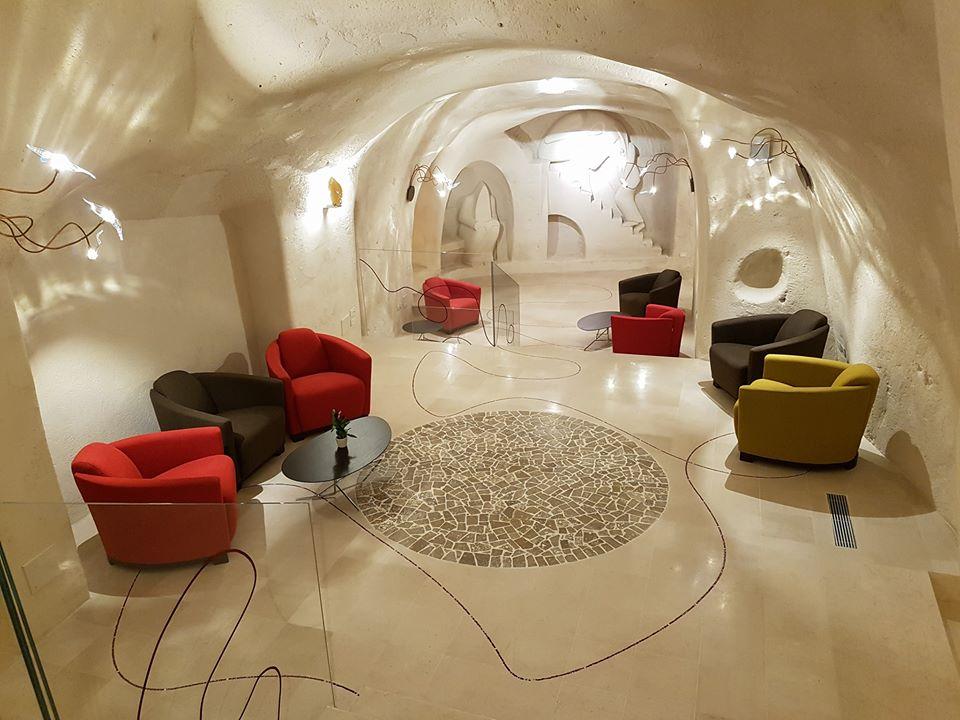 calia interiors slide